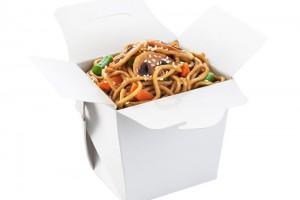 Китайская лапша в коробочке с грибами шиитаке
