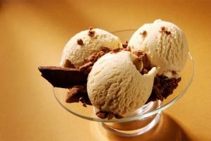 Мороженое банановое с шоколадной крошкой