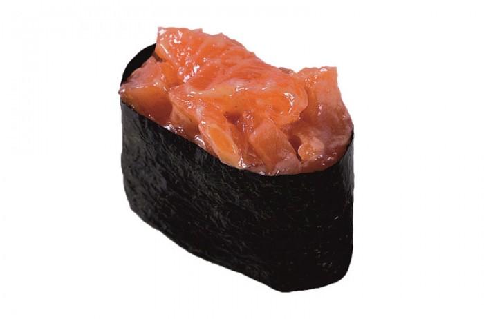 Острый карай с лососем